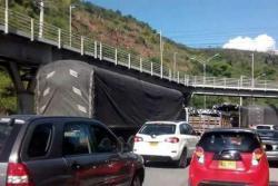 Esta fue la razón del monumental trancón en la autopista a Bucaramanga