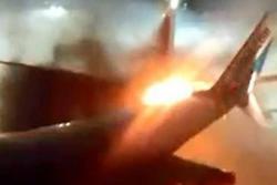 Choque de dos aviones en aeropuerto de Canadá generó pánico