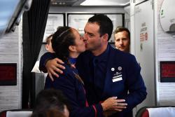 Francisco casó a dos miembros de la tripulación en el avión papal