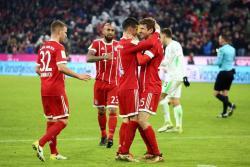La fantástica asistencia de James a Muller en victoria del Bayern