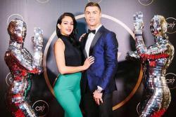 El tierno entrenamiento de la novia de Cristiano Ronaldo con una hija del 'astro' portugués