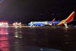 Evacúan por un ala a pasajeros de un avión en Estados Unidos