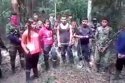 Video muestra a presuntos guerrilleros del Eln secuestrados por el Epl