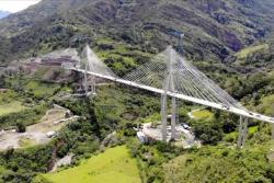 Ya se unieron en Santander los extremos del puente atirantado más alto de Suramérica