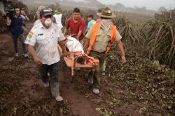 Imágenes de la erupción volcánica que deja más de 30 muertos en Guatemala