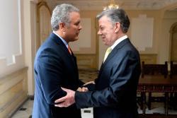 """""""Espero que Duque no se deje manipular y Uribe le deje gobernar"""": Santos"""