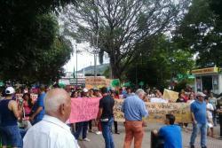 Sin respuesta del Alcalde finalizó protesta en Floridablanca para evitar tala de 145 árboles