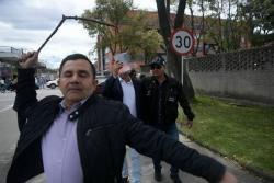 Agreden a periodista y fotógrafo de medios colombianos cuando cubrían caso de corrupción