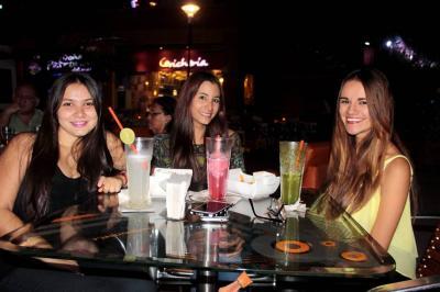 Laura Nathalia Núñez, Laura Daniela Acuña y Silvia Camila Ibáñez.