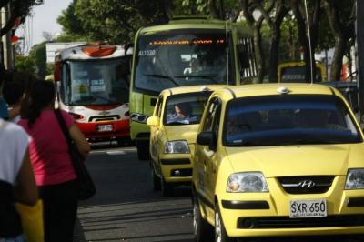 Sayco y Acinpro cobrarán por reproducir música en transporte público