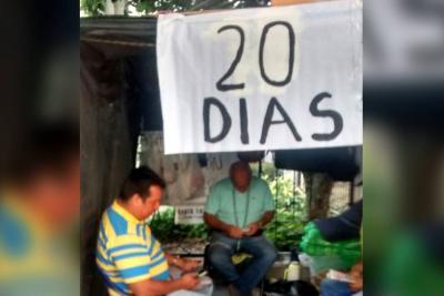 20 días de huelga de hambre cumple propietario de 'taxi camioneta' en Bucaramanga