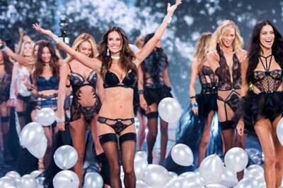 Los engaños detrás de las fotos de los ángeles de Victoria's Secret