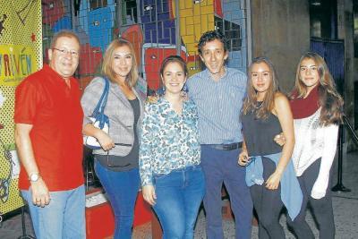Javier Mantilla, Deya Pinilla, Milena Gómez, Rubén Mantilla, María Paula Mantilla y María Mantilla.
