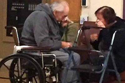 La fotografía más dolorosa de una pareja que lleva 62 años de matrimonio