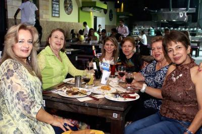María Cristina de Villate, Yolanda Mejía de Asprilla, Ana Milena Reyes, Martha Inés Vega, Stella María Ibarra de García y María Lourdes Ríos.