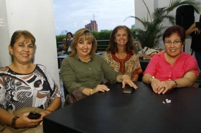 María Lucila Rueda, Clara Isabel Neira, Jimena Rincón y María Helena Neira.