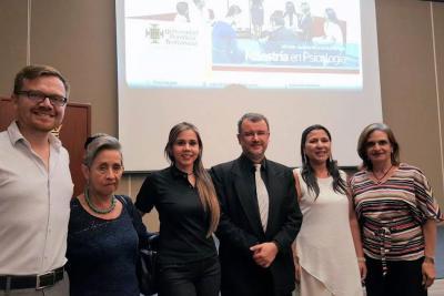 Camilo Rueda, Rosita de Maldonado, Julieth Rueda, Andrés Pérez Acosta, Silvia Botelho y Claudia Rico.