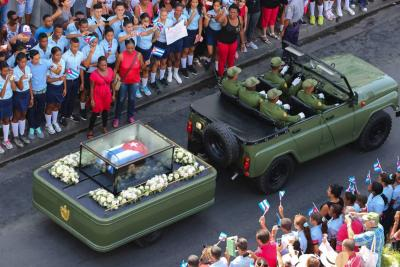 Cenizas de Fidel Castro ya reposan junto a José Martí