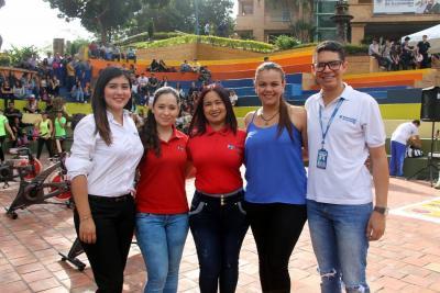 Paola Santamaría, Ingrid Pinto, Lina Cáceres, Nadya Pérez y Andrés Castillo.