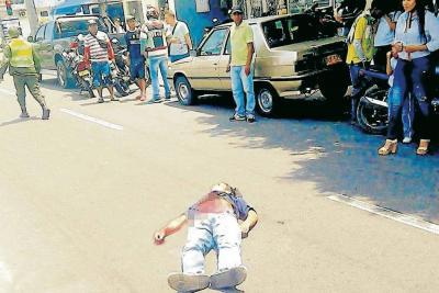 En plena avenida 52, en inmediaciones del parque Camilo Torres, un habitante de la calle fue herido de muerte con arma blanca.