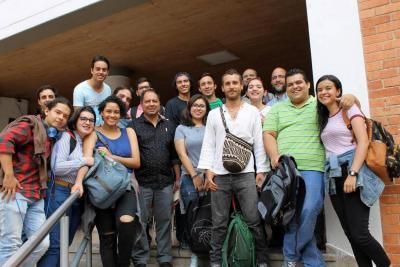 René Palomino, Mario Pizarro, Frank Rodríguez, Santiago Gómez, decano de la Facultad de Ciencias Sociales, Humanidades y Artes; Pablo Mejía Trujillo, director del largometraje; entre otros.