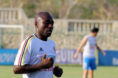 El defensa colombiano volvió a ser convocado a la Selección luego del incidente con su esposa.