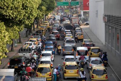 Expertos proponen cómo mejorar el tránsito vehicular en Bucaramanga