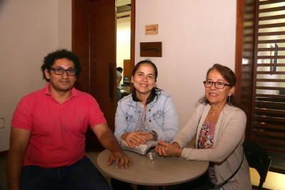 Víctor Baldovino, Paula Álvarez y Beatriz Rengifo.