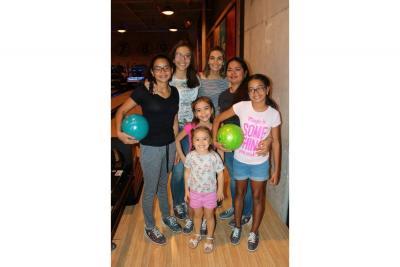 Valery Medina, Laura Santiago, Greinis Cavana, Vanessa Mejía, Ana Parra, Mauren Santiago y Sara Santiago.