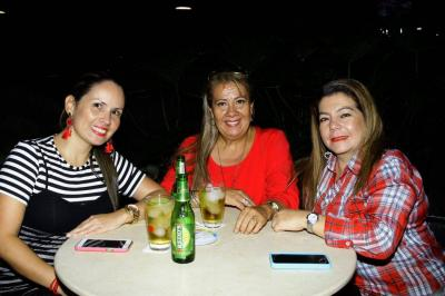 July Andrea Pardo, Martha Ruth Rojas y Ana Clemencia Contreras.