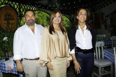 Alfonso Pérez, Monica Uribe y Pilar Castaño.