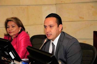 En caso de que el Gobierno Nacional llame a sesiones extraordinarias al Congreso, el boyacense Édgar Espindola asumiría la curul que dejó vacia Mauricio Aguilar (foto).