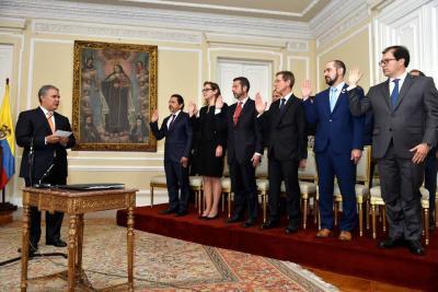 Los 13 nuevos consejeros, viceministros y directores de áreas fueron posesionados por el presidente Iván Duque.