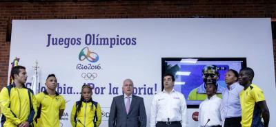 Primera rueda de prensa oficial en el Comité Olímpico Colombiano desde que llegaron de Brasil, 18 días después y tras homenajes en Presidencia, el Congreso, las Alcaldías y Gobernaciones locales y, algunos, con sus patrocinadores