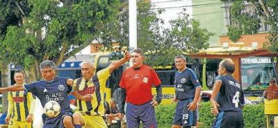 Deporte de Barriada: Corfusenior