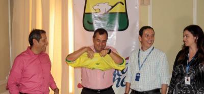 Todo parece indicar que Héctor Fernando García, como el pasado 14 de diciembre, se volvió a poner la camiseta del Bucaramanga.