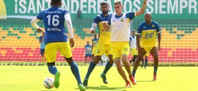 Luego de dos derrotas consecutivas, que lo dejaron muy lejos de la segunda ronda, Atlético Bucaramanga se medirá hoy, a las 6:00 p.m., ante Independiente Medellín, en la fecha 17 de la Liga Águila I de 2018.