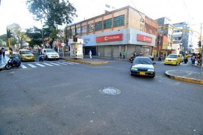 En el primer día de la implementación del 'Pico y placa', se vio una disminución en el tráfico.