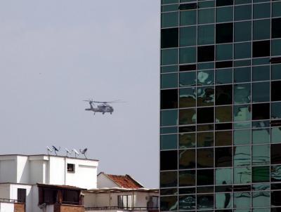 Hacia las 11:00 a.m. de este lunes 23 de abril, un helicóptero 'Black Hawk' del Ejército Nacional sobrevolaba Bucaramanga, en su ruta habitual para aterrizar en el helipuerto de la Quinta Brigada.
