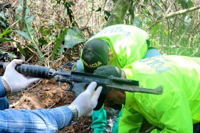 Hallan en Floridablanca caleta con munición que sería del Eln