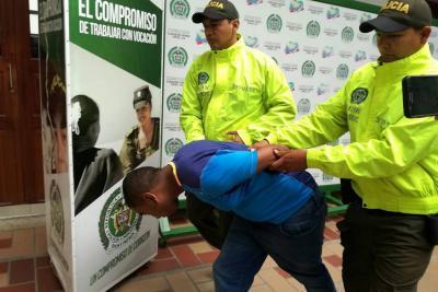 Tiene 24 años y lo acusan de participar en 4 fleteos por $45 millones en Bucaramanga