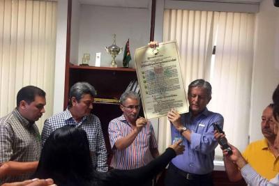 El empresario fue enfático en aclarar que no busca ofender a la Asamblea de Santander.