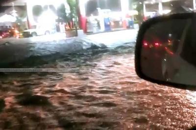 Videos registraron inundaciones tras torrencial aguacero en San Gil