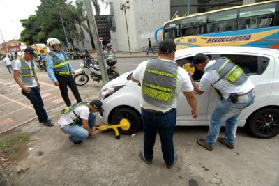 27 multas por $10 millones deja el regreso de los cepos a Bucaramanga