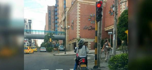 Denuncian invasión de las cebras peatonales en Cabecera