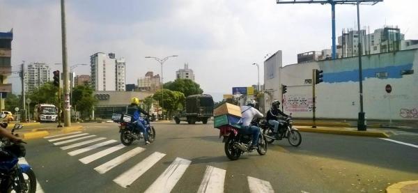 Denuncian falta de cultura vial en la avenida González Valencia