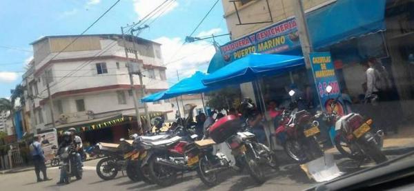 Denuncian invasión del espacio público por parte de un restaurante en Bucaramanga