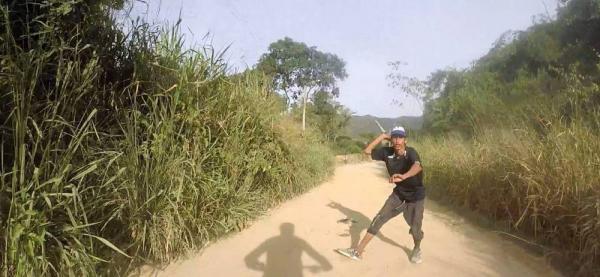 En video quedó intento de robo a ciclistas en zona rural de Girón