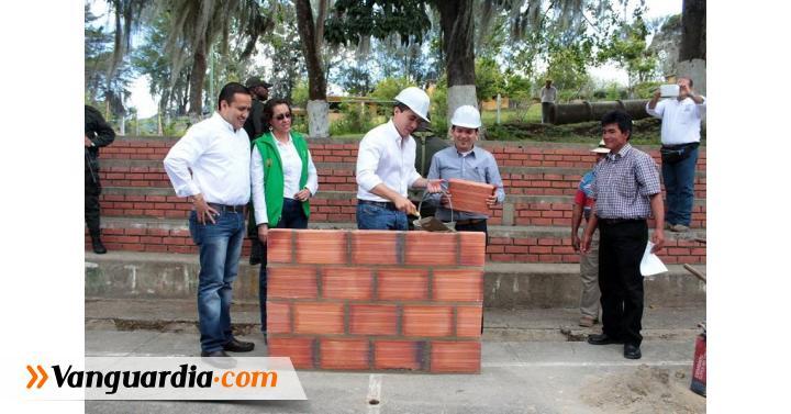 Pusieron la primera piedra para polideportivo en Chipatá - Vanguardia Liberal