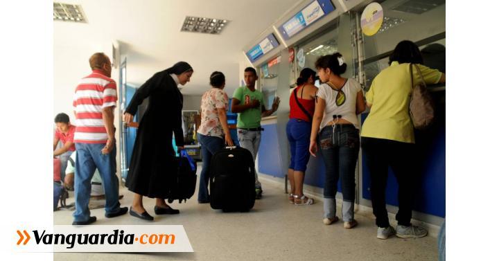 Crisis del crudo redujo flujo de viajeros del 24 for Oficina ola santander